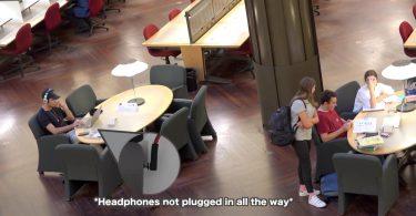 شوخی پخش موزیک با صدای بلند در کتابخانه